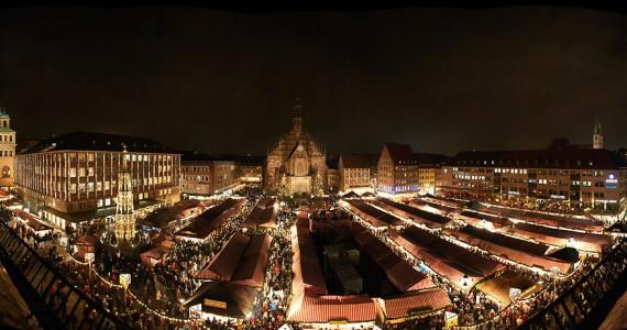 Weihnachtsmarkt Nürnberg.Eröffnung Nürnberger Weihnachtsmarkt Panoramafotografie Gert Klaus